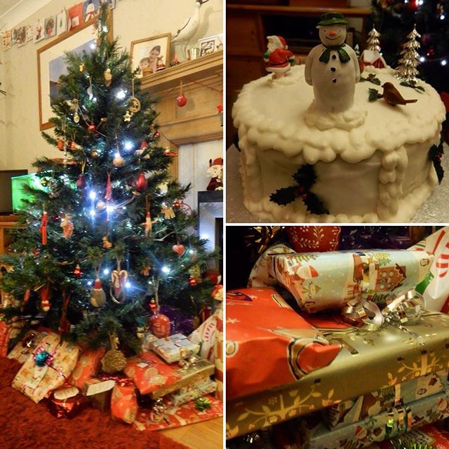#1HappyYear Day 232b: Presents ???? round the tree and the traditional #christmaseve???? cutting of the festive #cake????... #100HappyDays