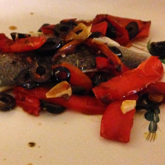 Mediterranean roasted sea bass and red peppers is light and scrumpy... #slimmingworld