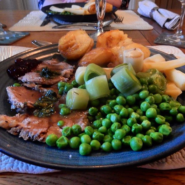 Roast lamb to celebrate #Easter????! My favourite meals of meals! ????