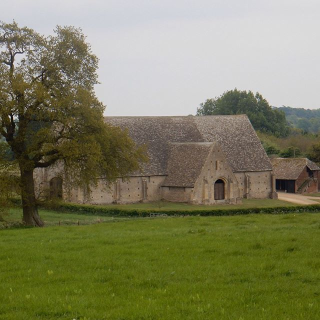Exploring the 12th century tithe Barnard Great Coxwell… #GreatCoxwell #tithebarn #history #barn