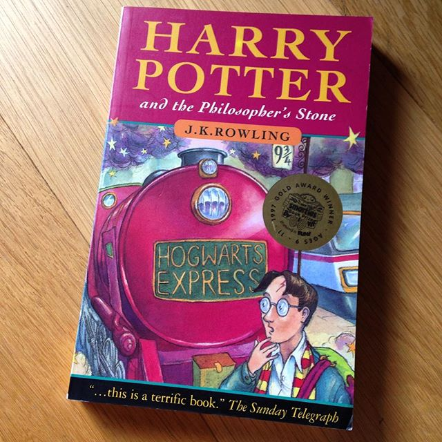 Unbelievable that this book was published 20 years ago today! I hadn't heard of it until my Mum gave it to me for Christmas in 1998, whereupon I quickly read book two too in time for book there's publication... #HarryPotter #harrtpotter20 #timeforareread