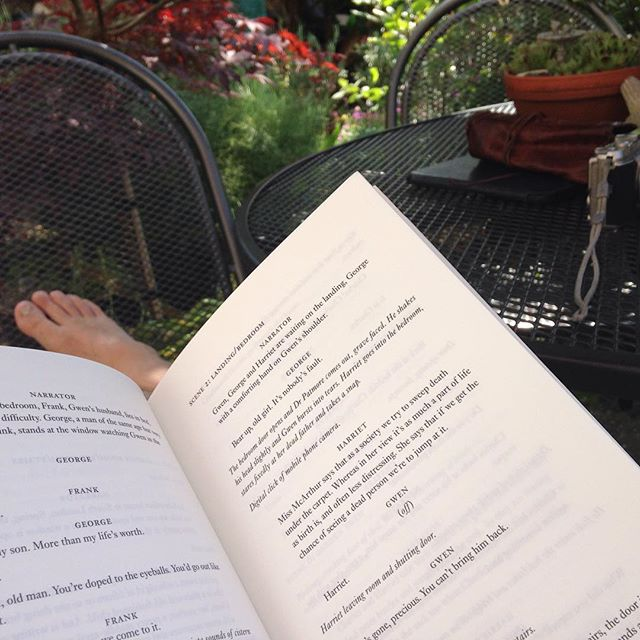‪It's 31 degrees in the shade and 29 on the house! #Toohot to do anything other than read... #amreading #summer ‬