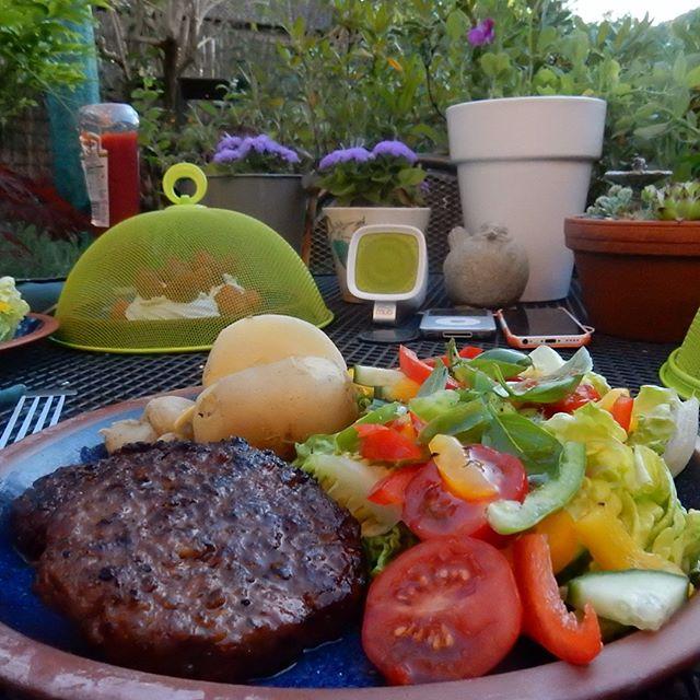Summer living... #dinner #bbq #alfresco