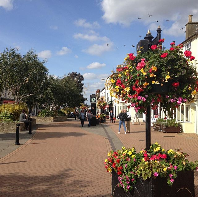 Bicester looking gorgeous in the #autumn???? sunshine. Love my little market town… #Bicester