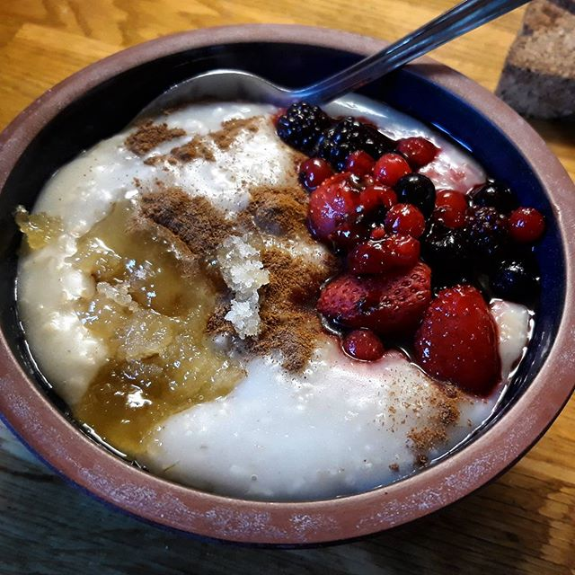 Winter warmer on a cold and frosty morning... #porridge