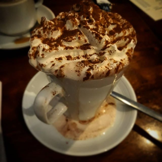 After an hour and a half of #carolling at the #abingdonchristmasextravaganza I needed something too warm me up… #Christmas???? #hotchocolate