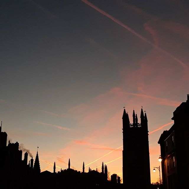 Oxford in the morning… #nofilter #cold #redsky