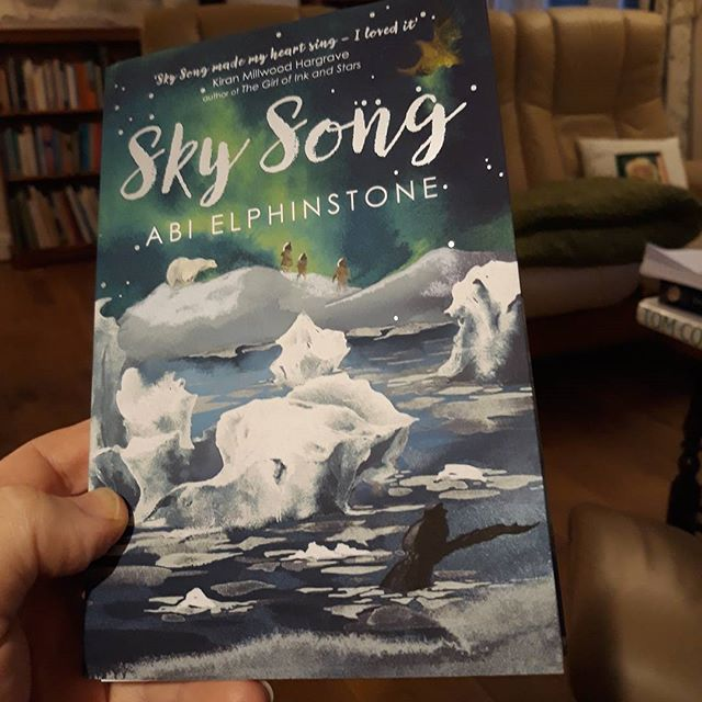 Considering my #amediting schedule, buying this might have been a mistake… #books???? #amreading #SkySong @moontrugger