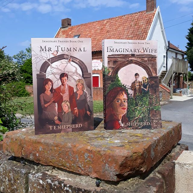 #SummerReading for the bank holiday? Book 2, #TheImaginaryWife, is getting some excellent early reports but still missing it's first #review… Have you read it, and if so, what did you think? . Both #books available on Amazon or from your chosen book supplier. If you're near Oxfordshire @booksandink will be sure to order you in a copy! ????