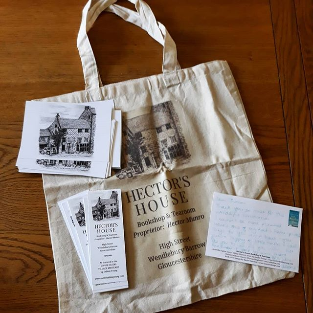Thank you to @debbieyounghawkesbury for my swag pack of #bookloversguidetobookshops merchandise. Not sure if it was a birthday present or not but it made a very good one… ????????