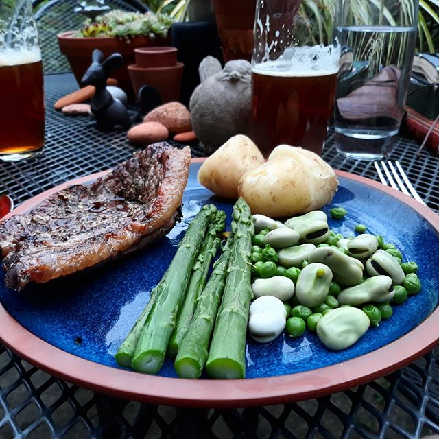 Delicious dinner in the garden... #steak #EnglishNewPotatoes #summerveg