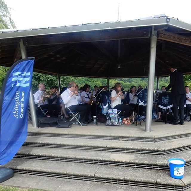 Entertaining the people of Henley with music for a summer's afternoon in the park… #windband #concertband #music #summermusic @abingdonconcertband