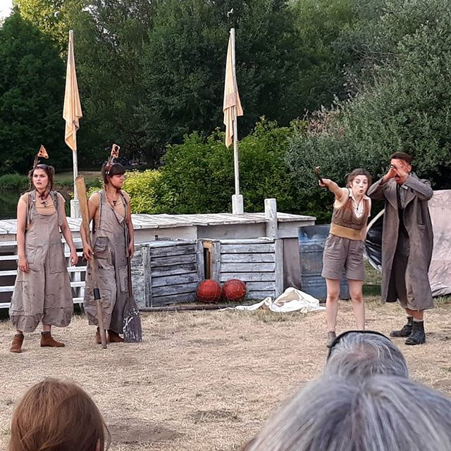 Swallows & Amazons Forever! And ever! Another great @creationtheatre production tonight. Perfect setting for adventure on the high seas and refreshingly true to the book! @creationtheatre #swallowsandamazons #outdoortheatre #helenedmondson
