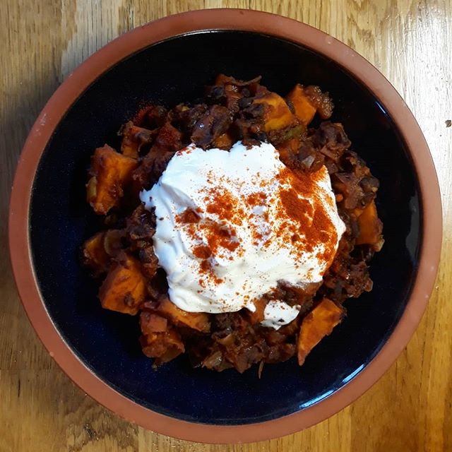 Mexican Sweet Potato and Black Beans, in a bowl... thank you @laurapicklechop for suggesting this one... #goodeating #recipes #eatinghealthy @deliciouslyella