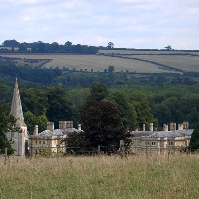A walk around the Sherbourne Estate... #Cotswolds #countrysideambling #walks