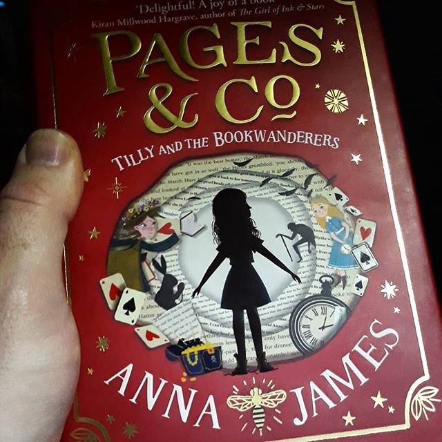 I just know that this is is going to be one of those books that I'm going to be so upset to finish reading... #PagesandCo @acaseforbooks #amreading #modernclassic