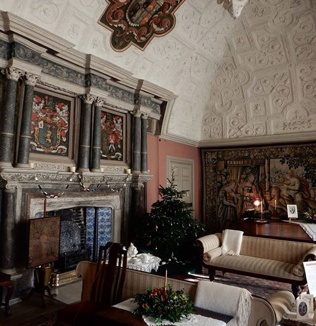 #Christmas🎄 through the ages: from the Tudors to the 80s… @canonsashbynt
