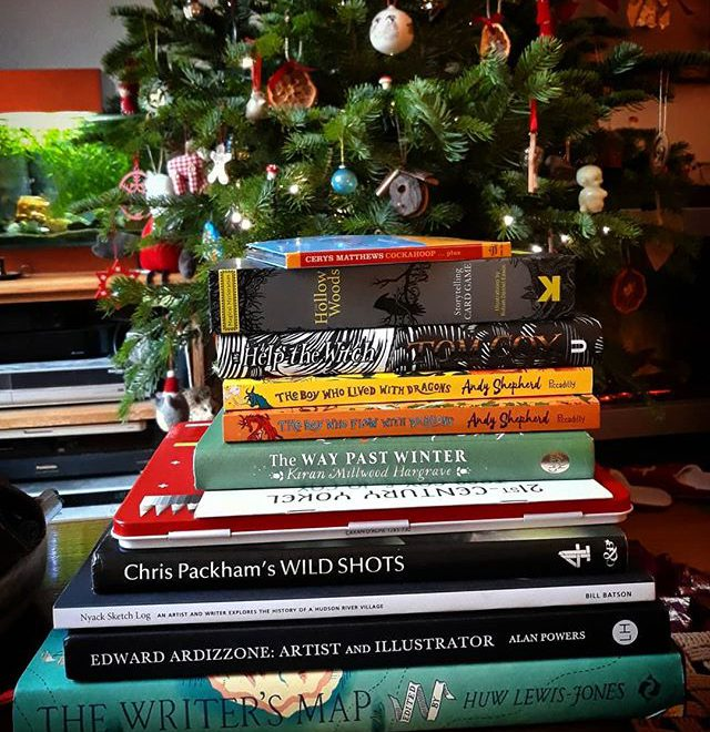 There's a definite theme to my Christmas presents this year as every year. Thank you everyone! 😊📚 #booksmakethepresents #amreading  #books #storytelling @21stcenturyyokel @allthingsardizzone @kiran_mh