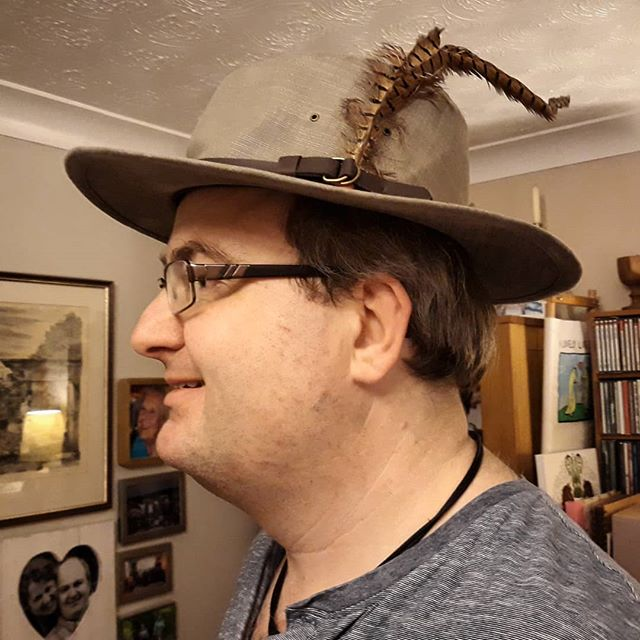 Remembering Chas in the best way I can, wearing my Lord Darnley feather with pride, as presented to me by The Editor and friend. #bv #blissfordvoice #bvtoday #ChasCochand #rwg