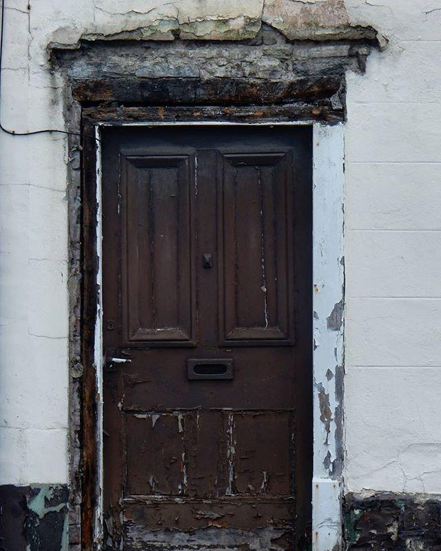 Textures of an old door... #textures #doors