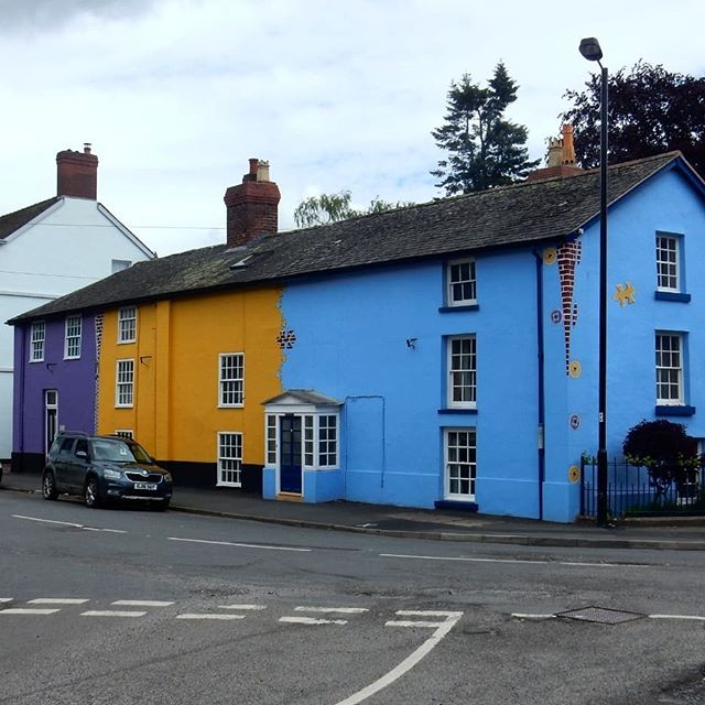 I'm gonna miss the funky coloured houses of Bishops Castles... #brightcolours #houses #zips #buttons #jigsaws