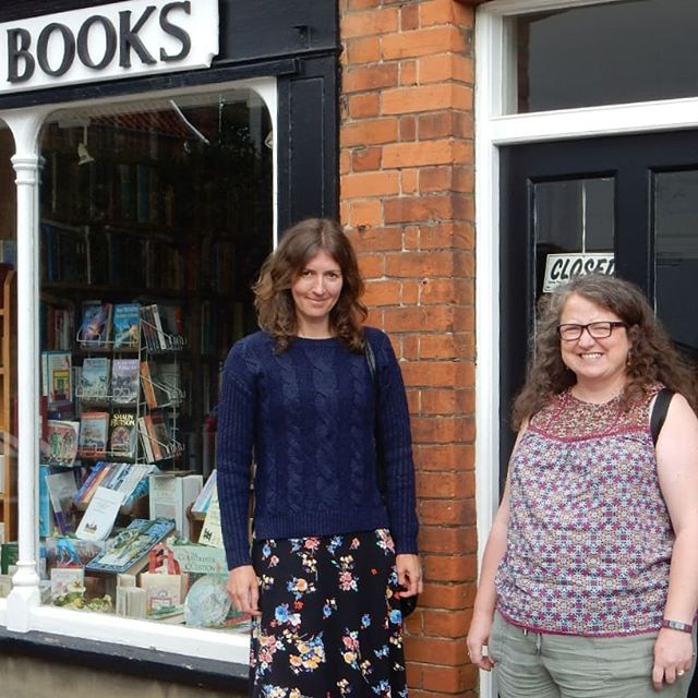 Always good to catch up with old friends.  Emma and I spent the afternoon with my oldest school friend Rachel. And she's pointed me in the direction of another bookshop to visit and draw… #friends