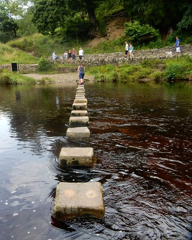 Step carefully... #boultonabbey #steppingstones #deepwater #fastcurrent #wharfedale