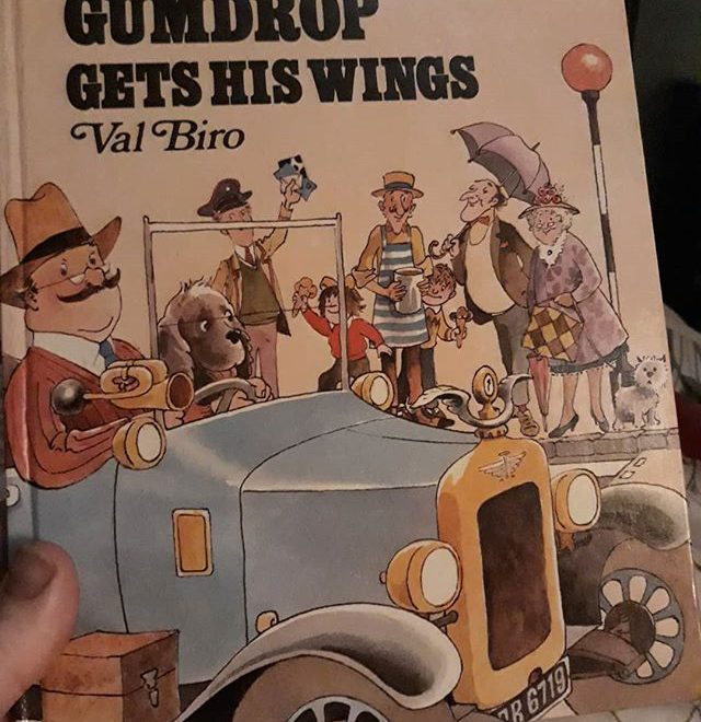 Just rediscovered my Gumdrop books that my Grandpa gave me. I never realised that he lived in Amersham and that's where the books were set! @samthebook, have you encountered them… I think I might need to collect the other 15 titles… @booksandink #ValBiro #Gumdrop #amreading