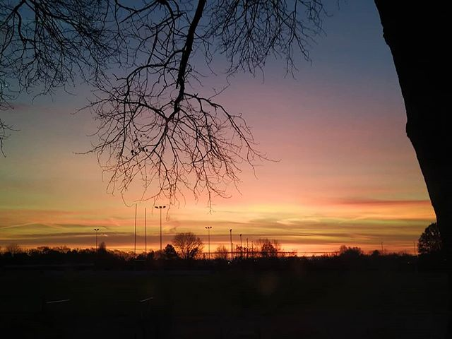 Today's Bicester sunrise… #Bicester #sunrise #morningcommute