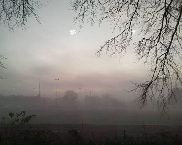 A properly cold and frosty morning… #fog #frost #sunrise