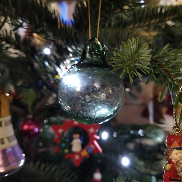 One of our latest Christmas tree decorations. This one, a hand-blown bauble from @incendiumglass which together with a glass fountain pen was an exchange for a @t.e.shepherd.art art print... #allartiststogether