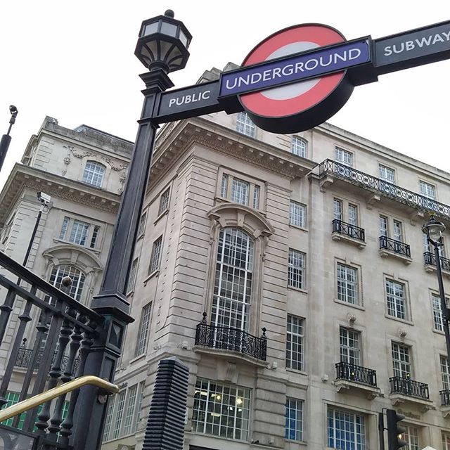 London Town #StJames #Picadilly #London