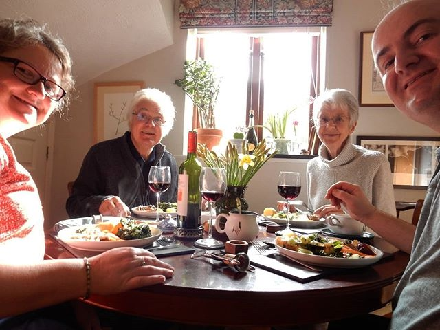 Sunday lunch with mum and dad! 😊🐑 (with apologies to vegetarians) #roastlamb #sundaylunch #family